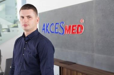 Radosław Wołos Konstruktor wew. 343 mail: r.wolos@akces-med.com