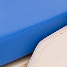 Tapicerka medyczna zastosowana wfoteliku jest paroprzepuszczalna, wodoszczelna orazłatwa wdezynfekcji.