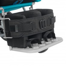 The calf belt stabilizer perfectly stabilizes the patient's legs and protects them from possible injury.