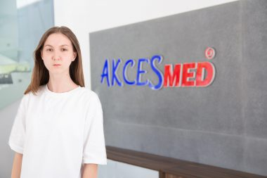 Ekaterina Dutkovskaya Grafik komputerowy mail: poligrafia@akces-med.com